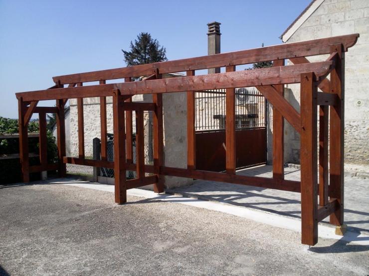 Construction d un abri pour bois de chauffage