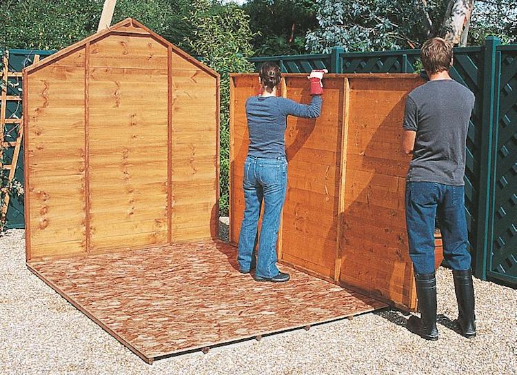 Construire un abri de jardin pas cher Cabanes and co