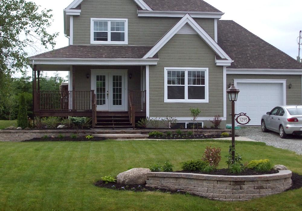 Aménagement extérieur façade maison à Sherbrooke Profil