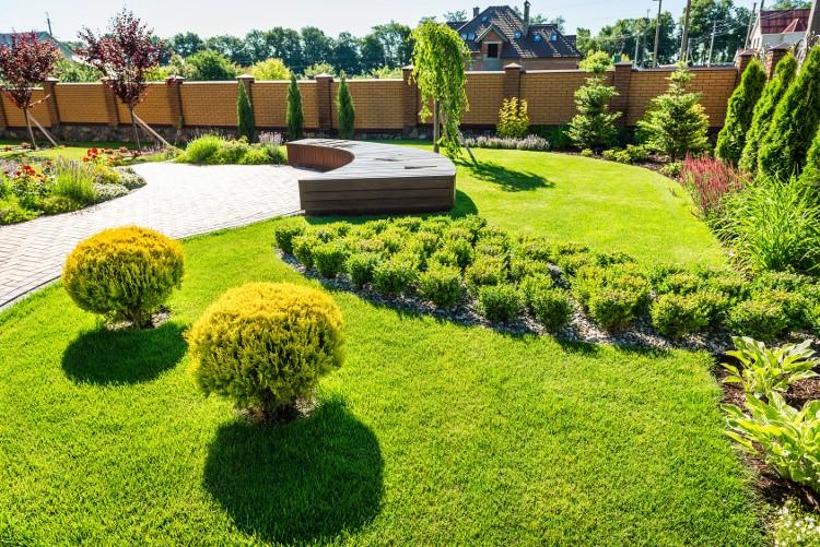 4 astuces pour aménager un terrain en pente