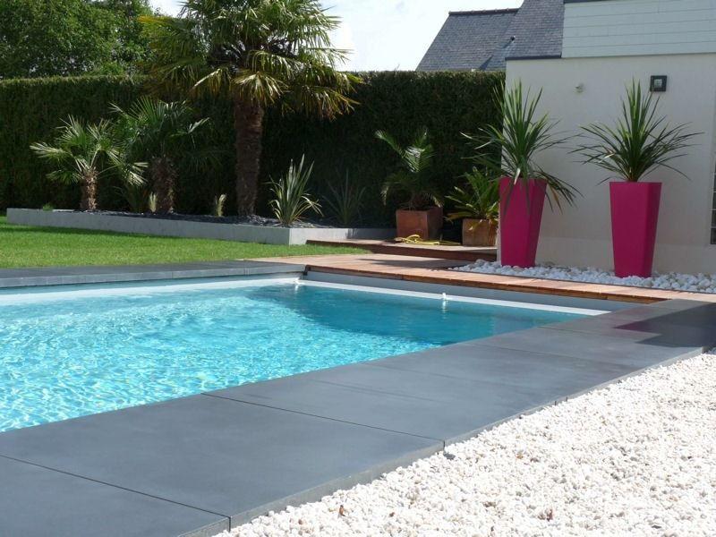 plage piscine sur gravier
