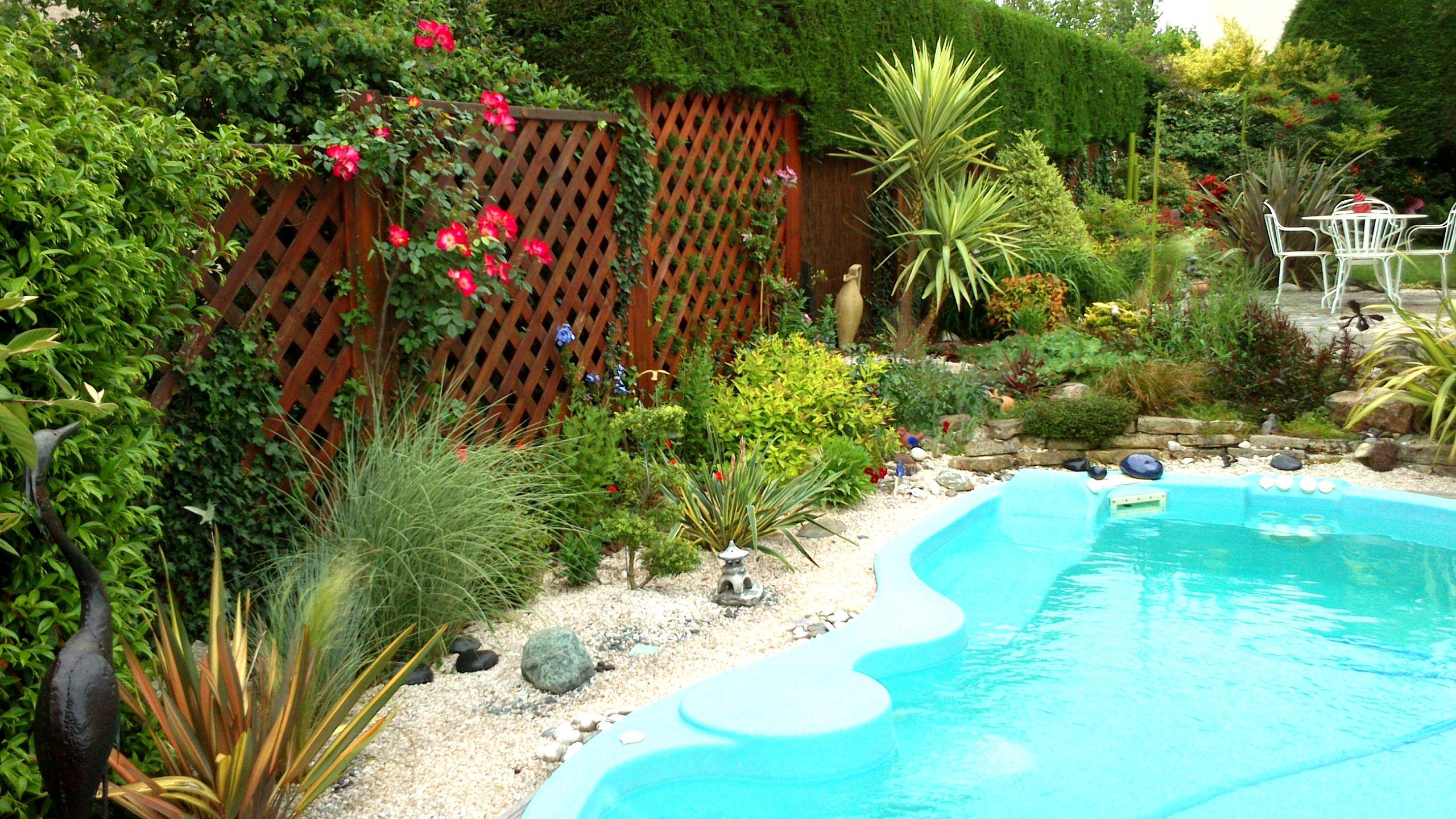 Idee Amenagement Tour De Piscine amenagement tour de piscine tour de piscine jardin nature