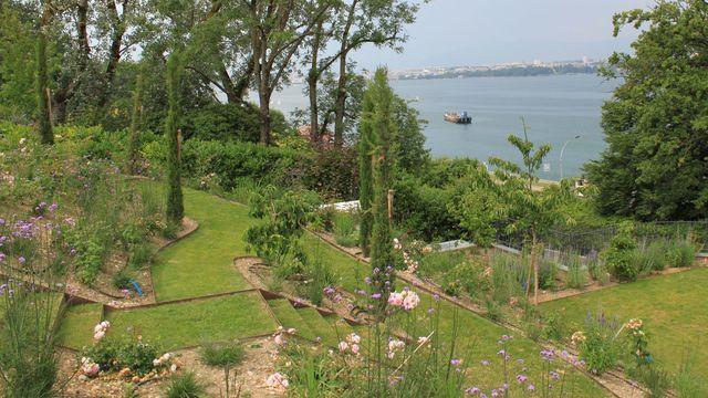 Aménagement d un jardin en pente Côté Maison