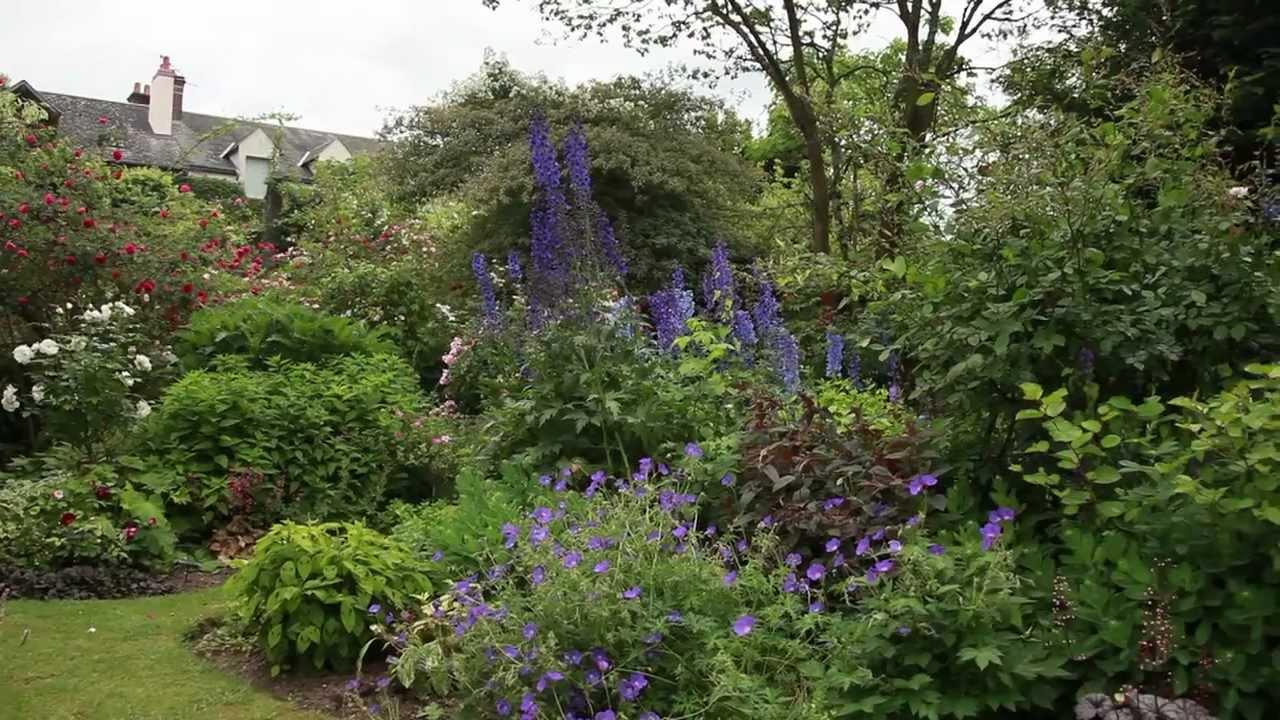 Aménager un petit jardin pour donner une impression d