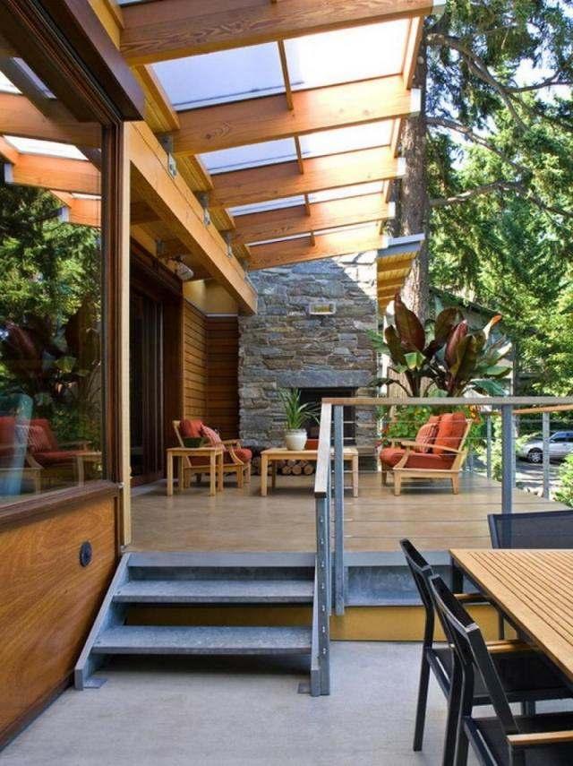 Aménagement terrasse avec auvent bois plexiglas aluminium