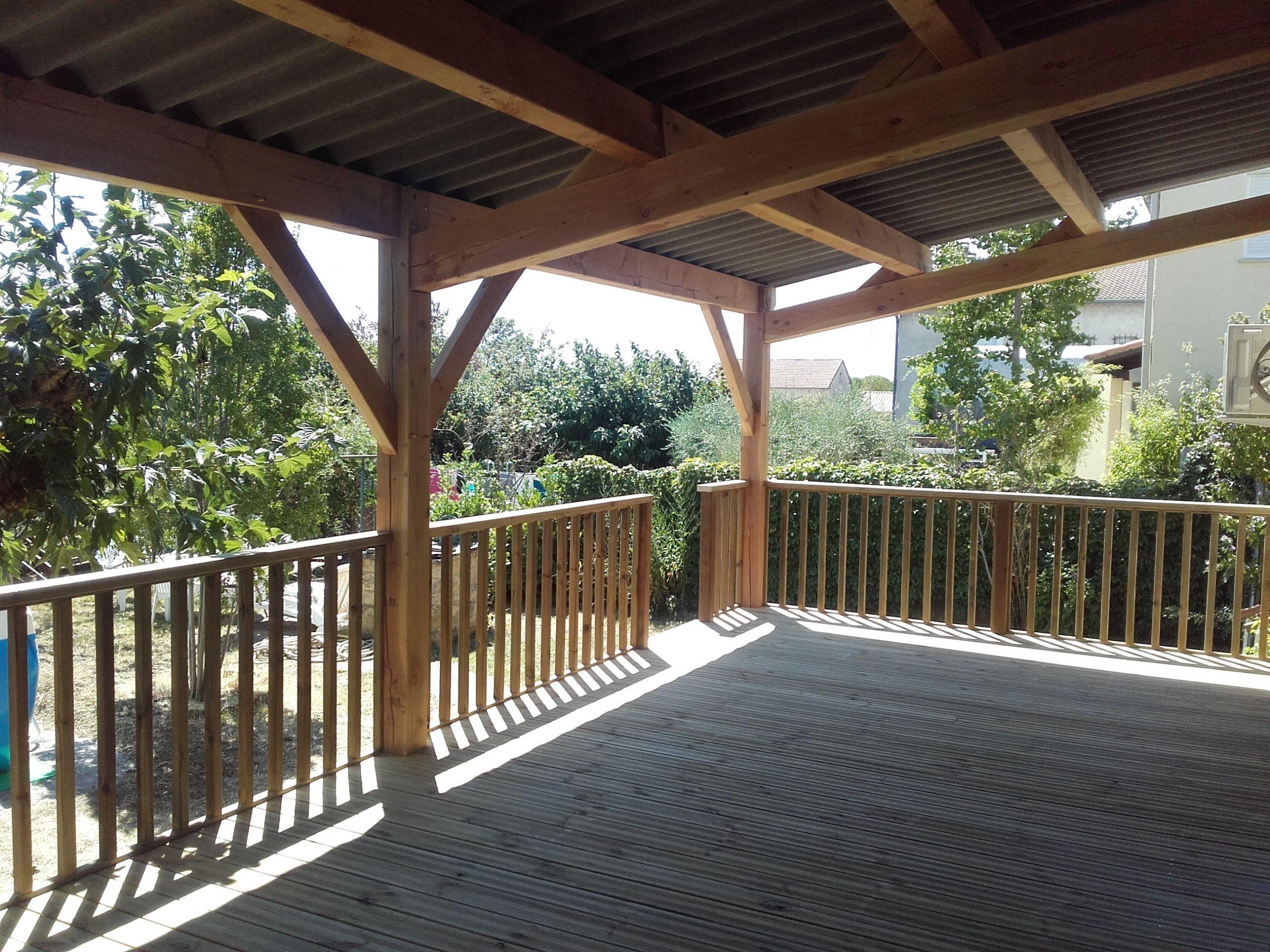 Auvent et terrasse bois BOISECO Construction Maisons a