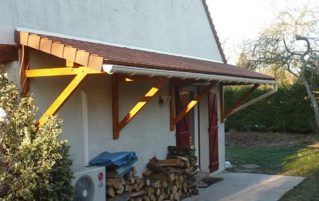 Auvent pour bois de chauffage