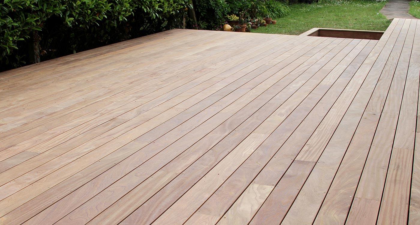 La terrasse bois le lien naturel entre maison et jardin