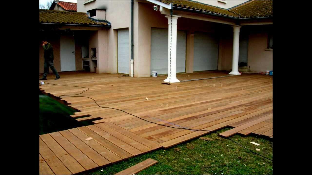 montage terrasse en bois piscine