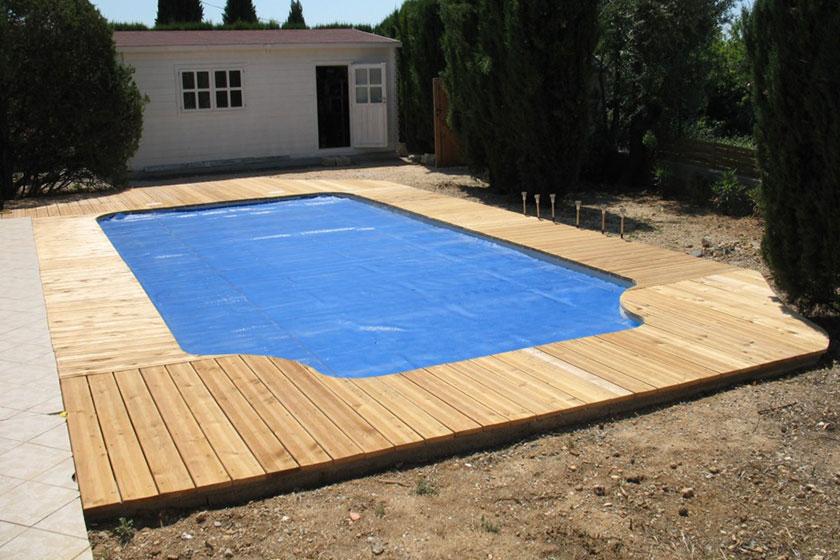 Terrasse autour d une piscine en bois Mailleraye jardin