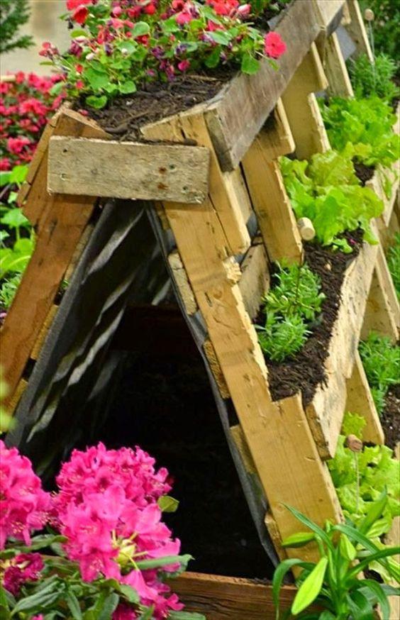 Un jardin avec des palettes de bois C est ça la vie