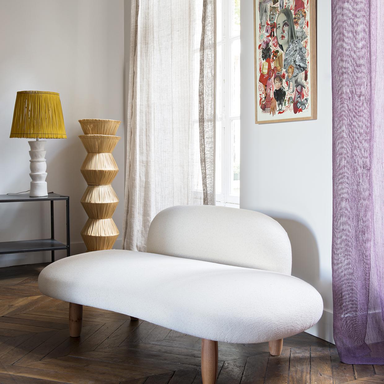 Canapé en forme de galet blanc cassé NOblige Paris