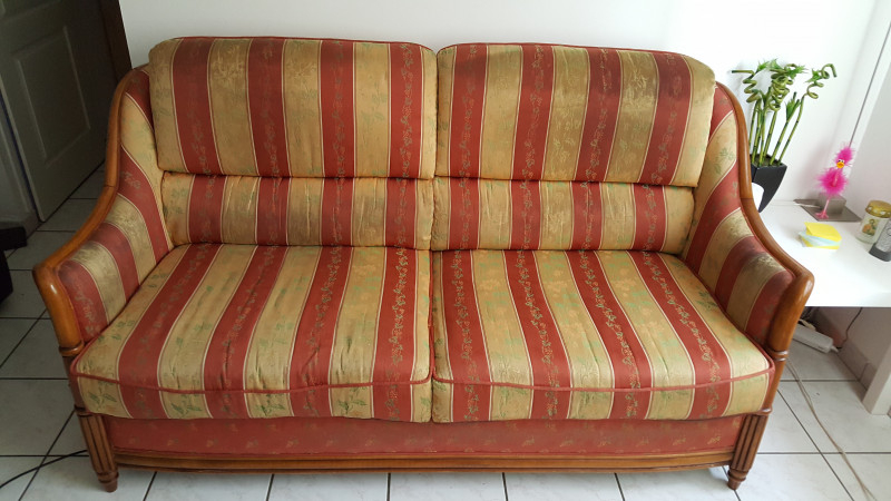 Canapé 3 places bois et tissu vintage Les Vieilles Choses