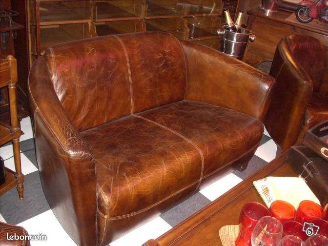 Canape club en cuir vieilli vintage Ameublement Cher