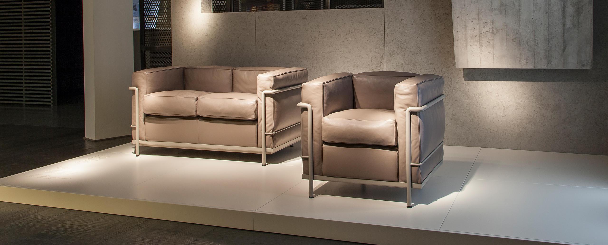Canapé Le Corbusier Fauteuil Et Canapé Lc2 Le Corbusier Jeanneret Perriand