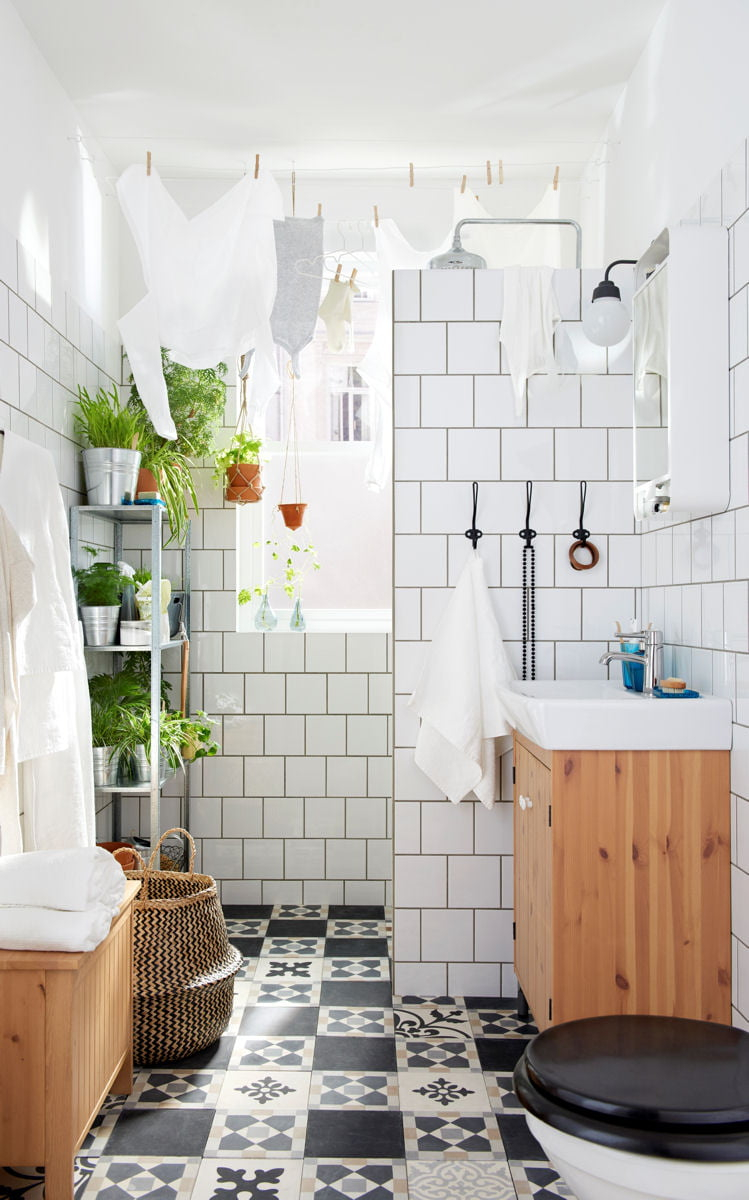 Des jolies carreaux de ciment dans la salle de bains