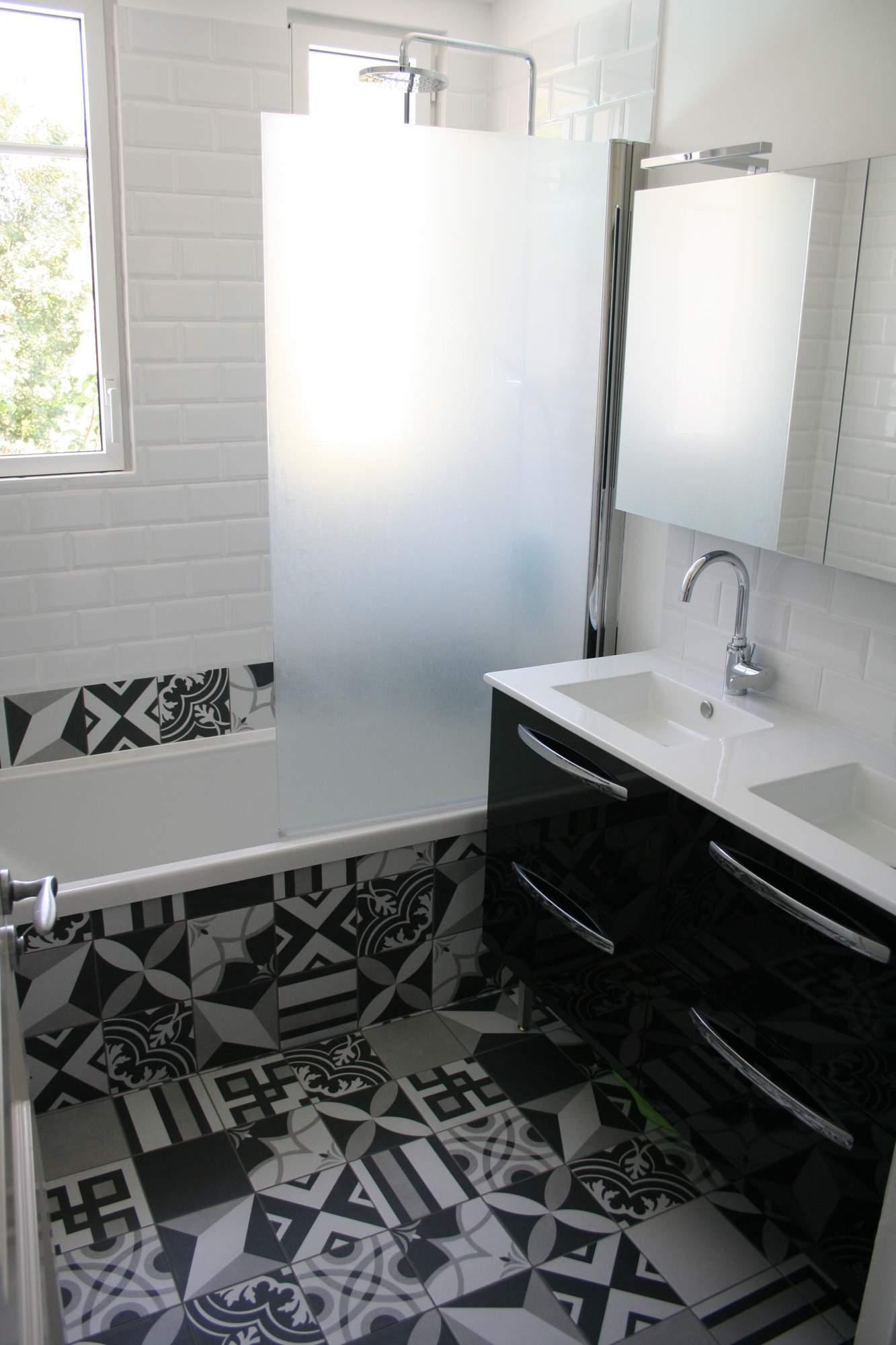 Rénovation de salle de bain avec carreaux ciment Lyon