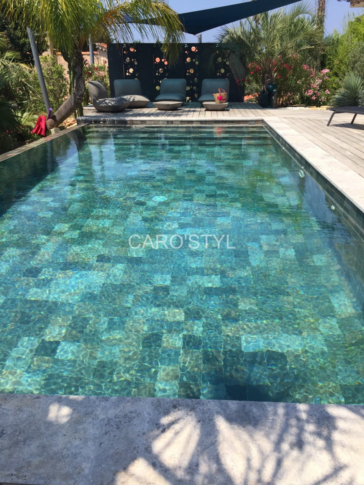 Carrelage pour piscine verte ce carrelage effet pierre