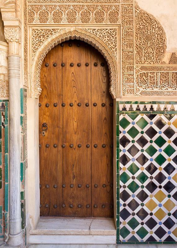 Porte Alhambra Grenade carrelage espagnol palais