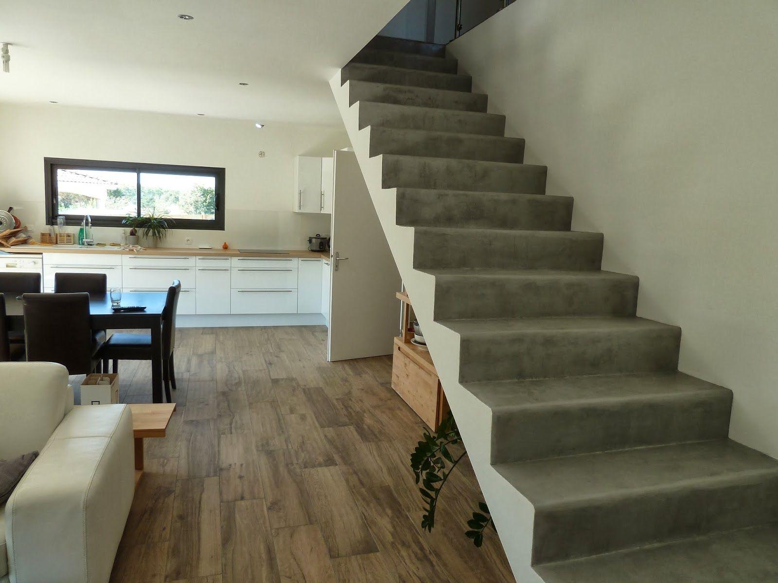 Ma maison bioclimatique Escalier en béton ciré