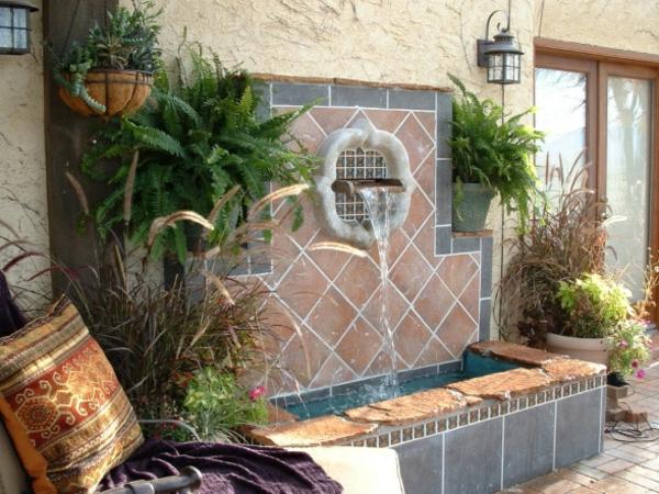 La déco extérieure avec une fontaine murale Archzine