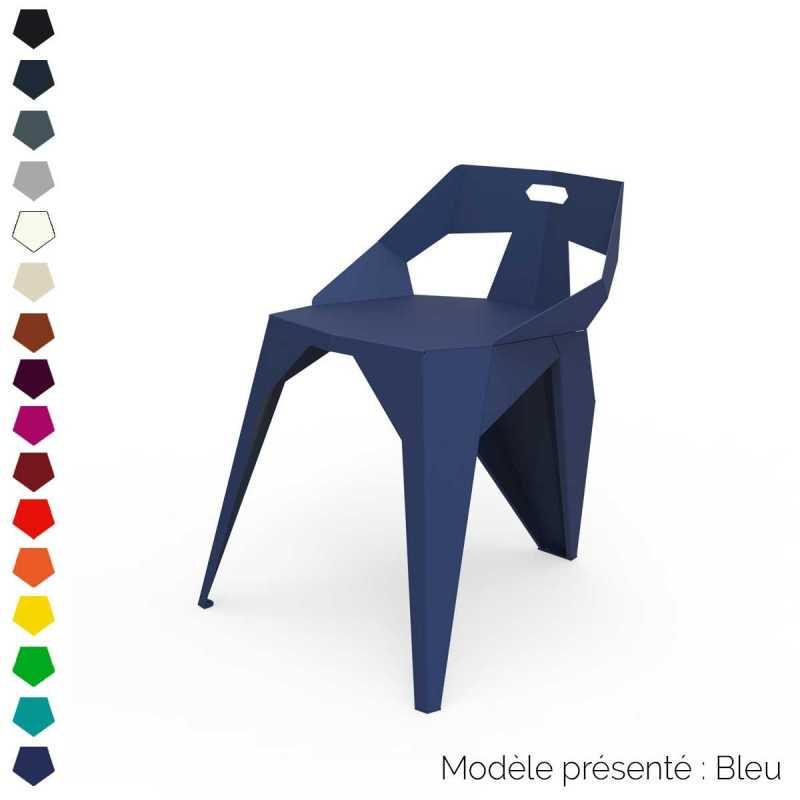 Chaise à trois pieds au dossier bas design en métal