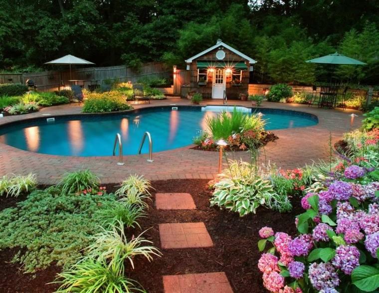 Conseils pour aménager un jardin avec piscine