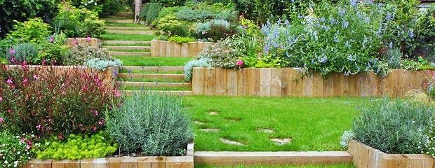 ment aménager son jardin en pente Jardiniers