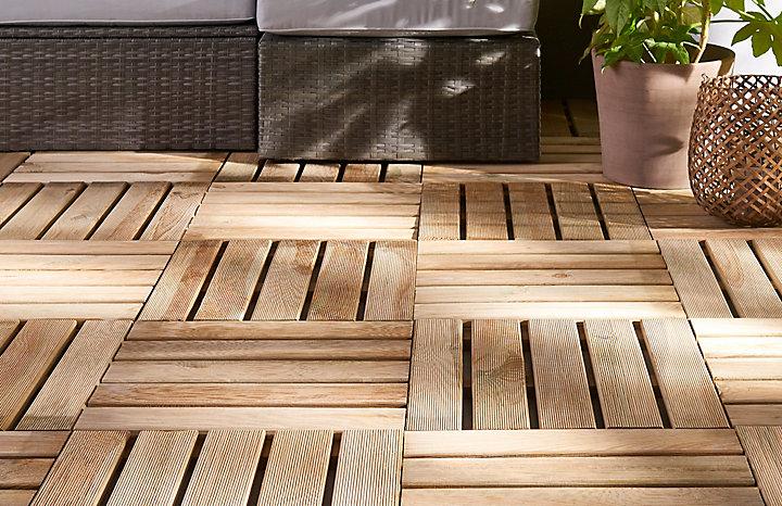 ment poser une terrasse en dalles bois sur plots