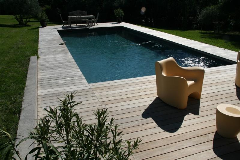 Aménagement d un contour de piscine Vitrolles