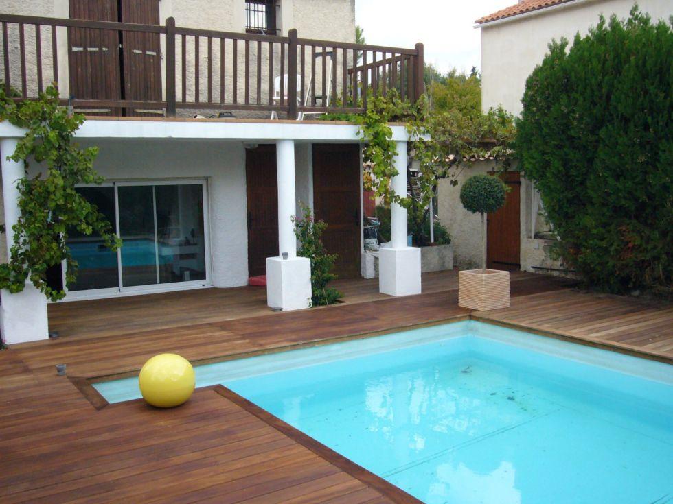 Contour bois et plage de piscine Aix en Provence