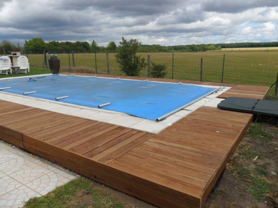 Contour piscine bois
