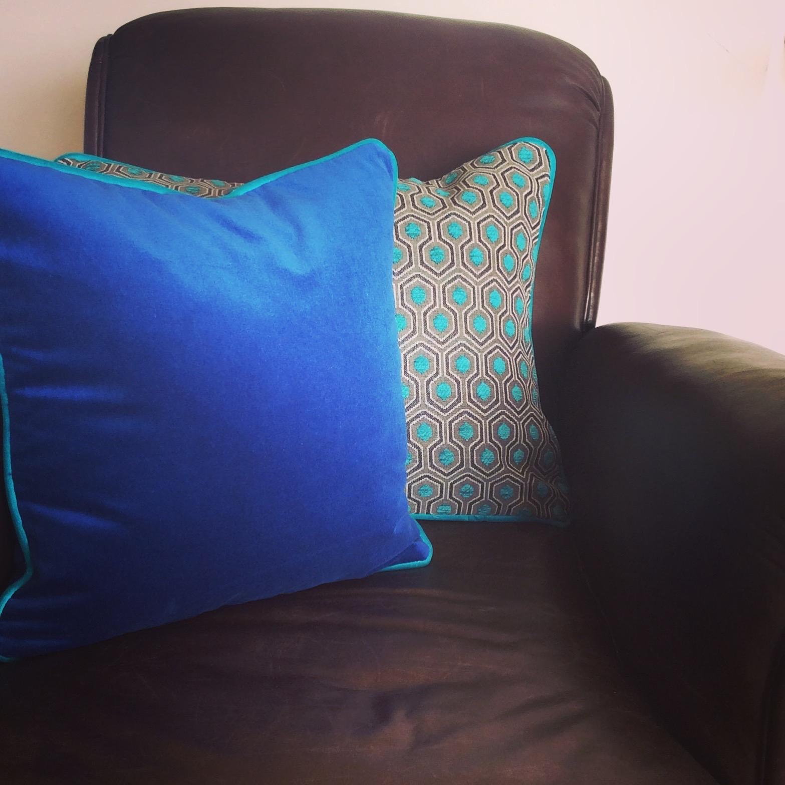 Coussin Bleu Turquoise Coussin Velours Entre Chic Et Gaieté