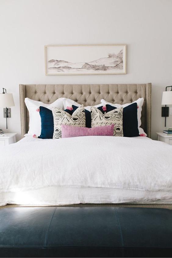 10 façons de bien placer vos coussins sur votre lit