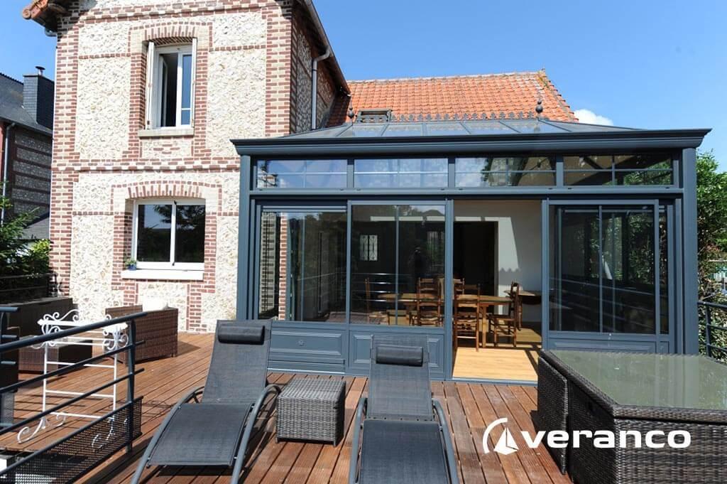 Véranda sur terrasse Couvrir votre terrasse avec une véranda