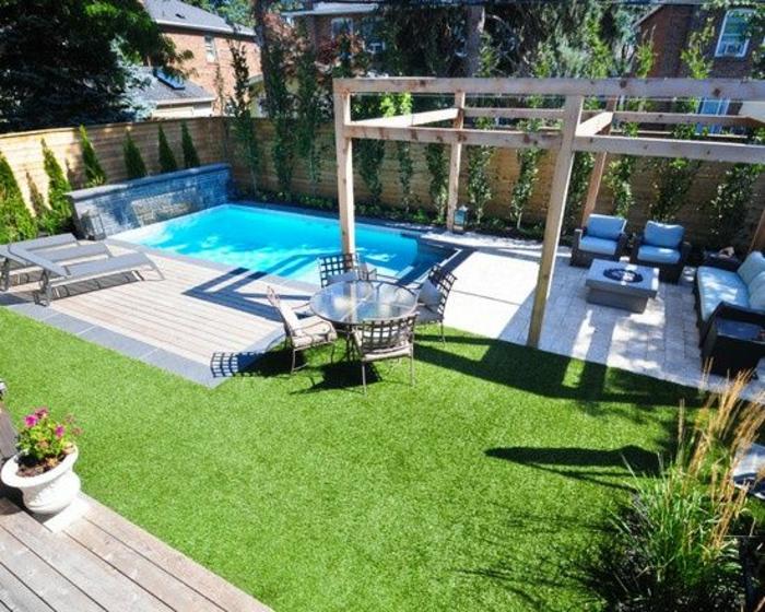 Installer une petite piscine coque le luxe est déjà