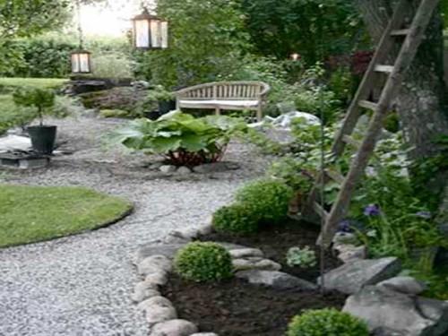 pierres graviers et gazon pour faire l allee du jardin zen