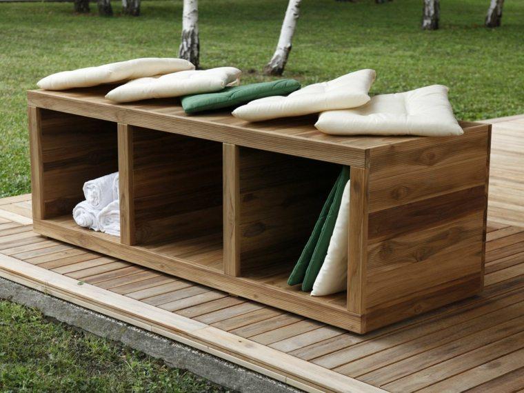 Jardins contemporains avec meubles et accessoires design