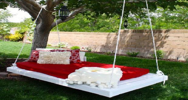Faire une balancelle de jardin en palette pour 40 €