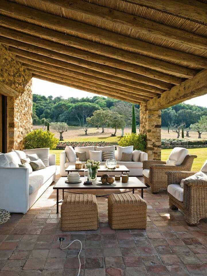 salon en terrasse pierre et bois Maison