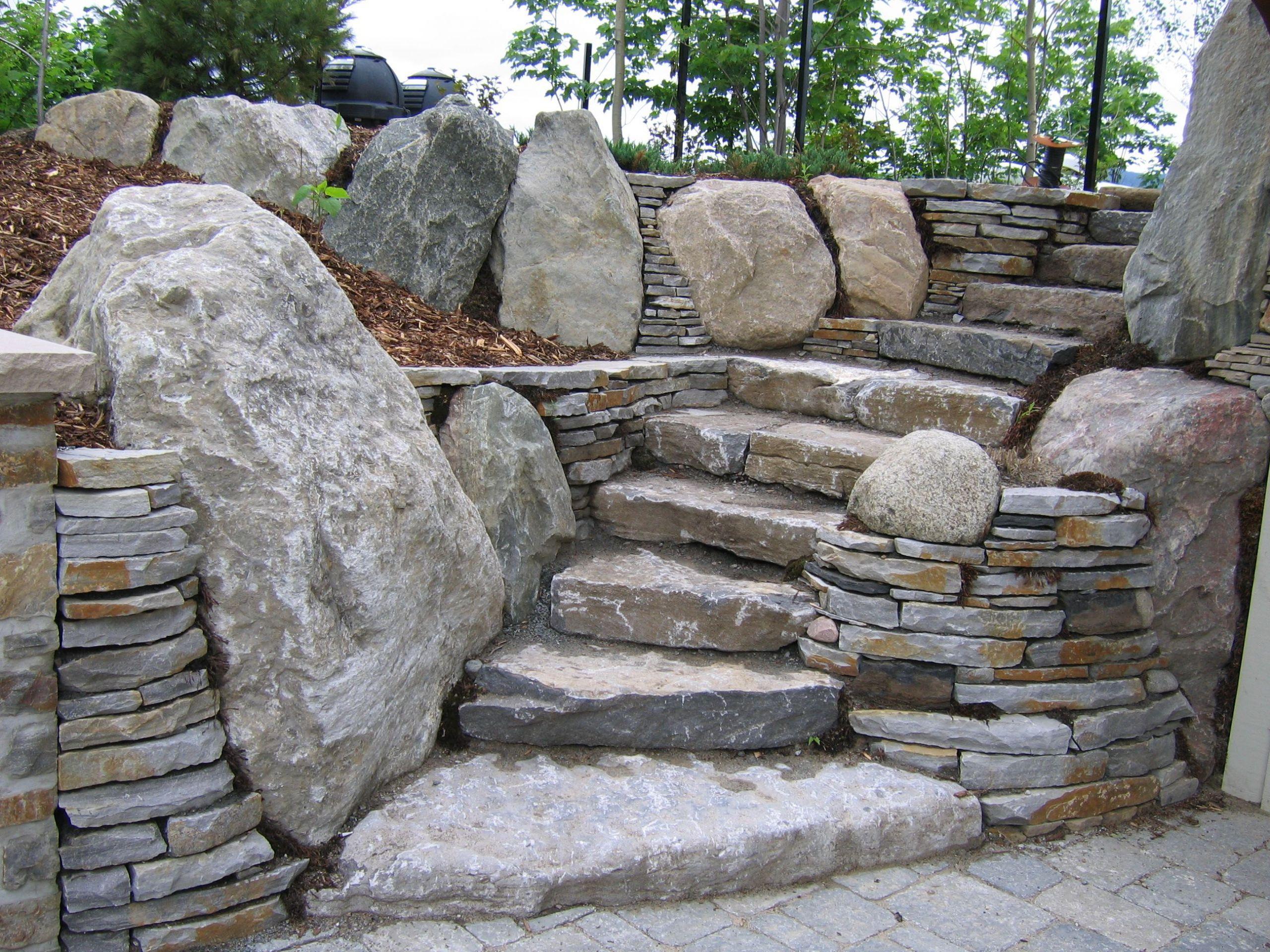 Un bel escalier et ses murets réalisation intégrale en