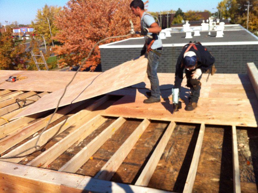 Evacuation toit terrasse – Revêtements modernes du toit