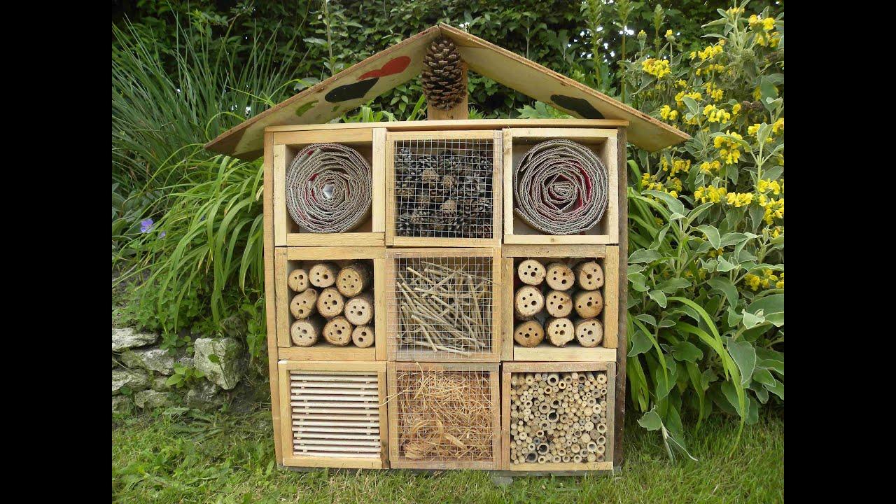 Hotel A Insecte Fabrication fabrication avec palette hôtel à insectes en palette - idees