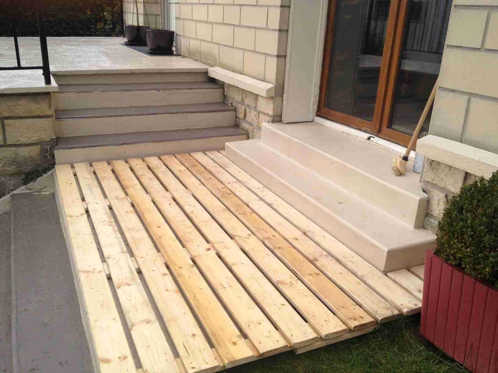 Faire une terrasse avec des palette en bois Mailleraye
