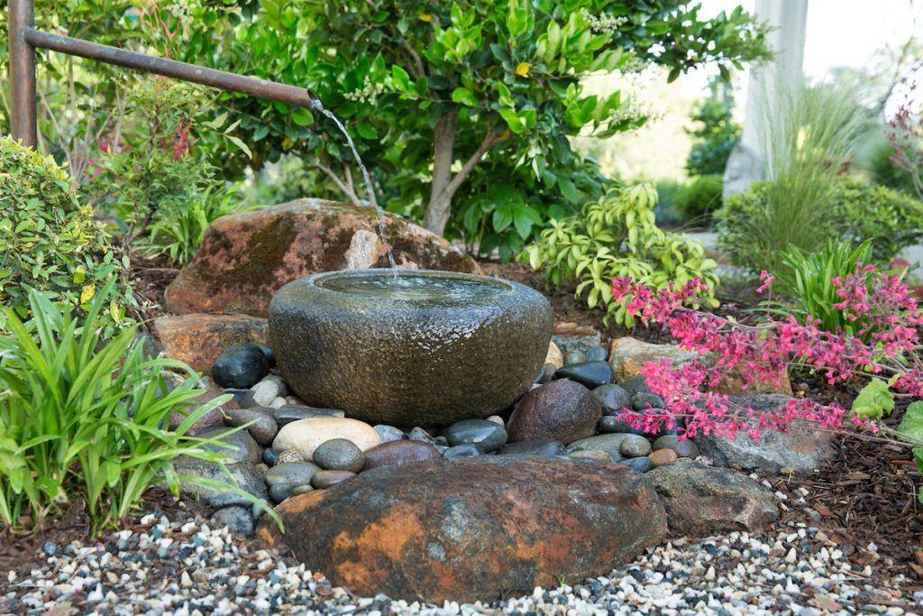 Fontaine japonaise Tsukubai jardin Zen Jardin Japonais