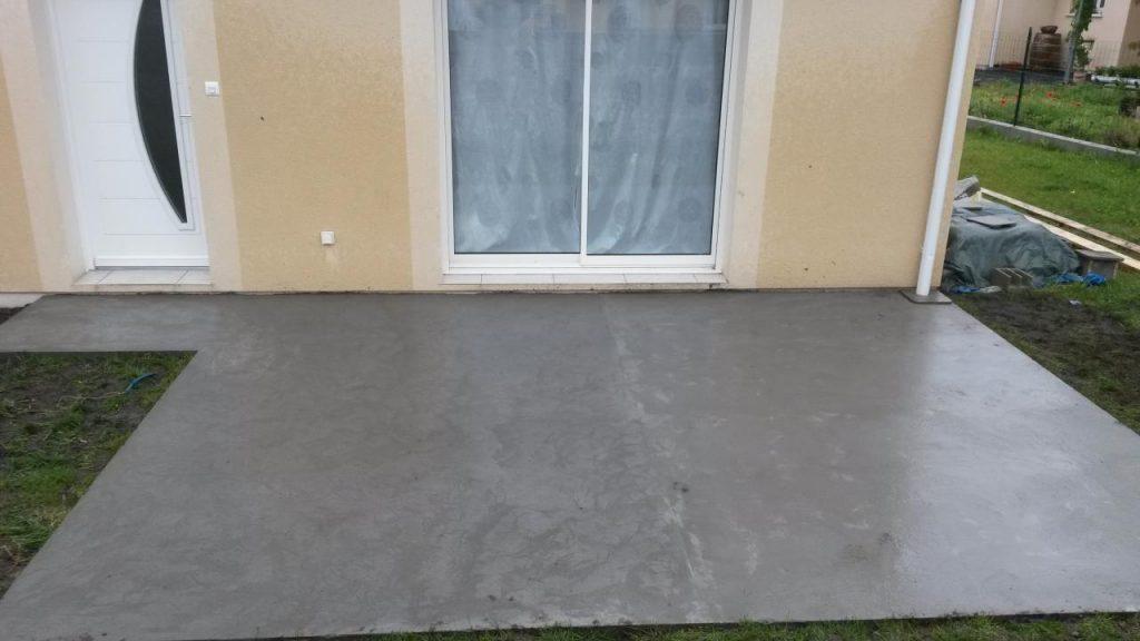Terrasse beton sans joint de dilatation Mailleraye jardin