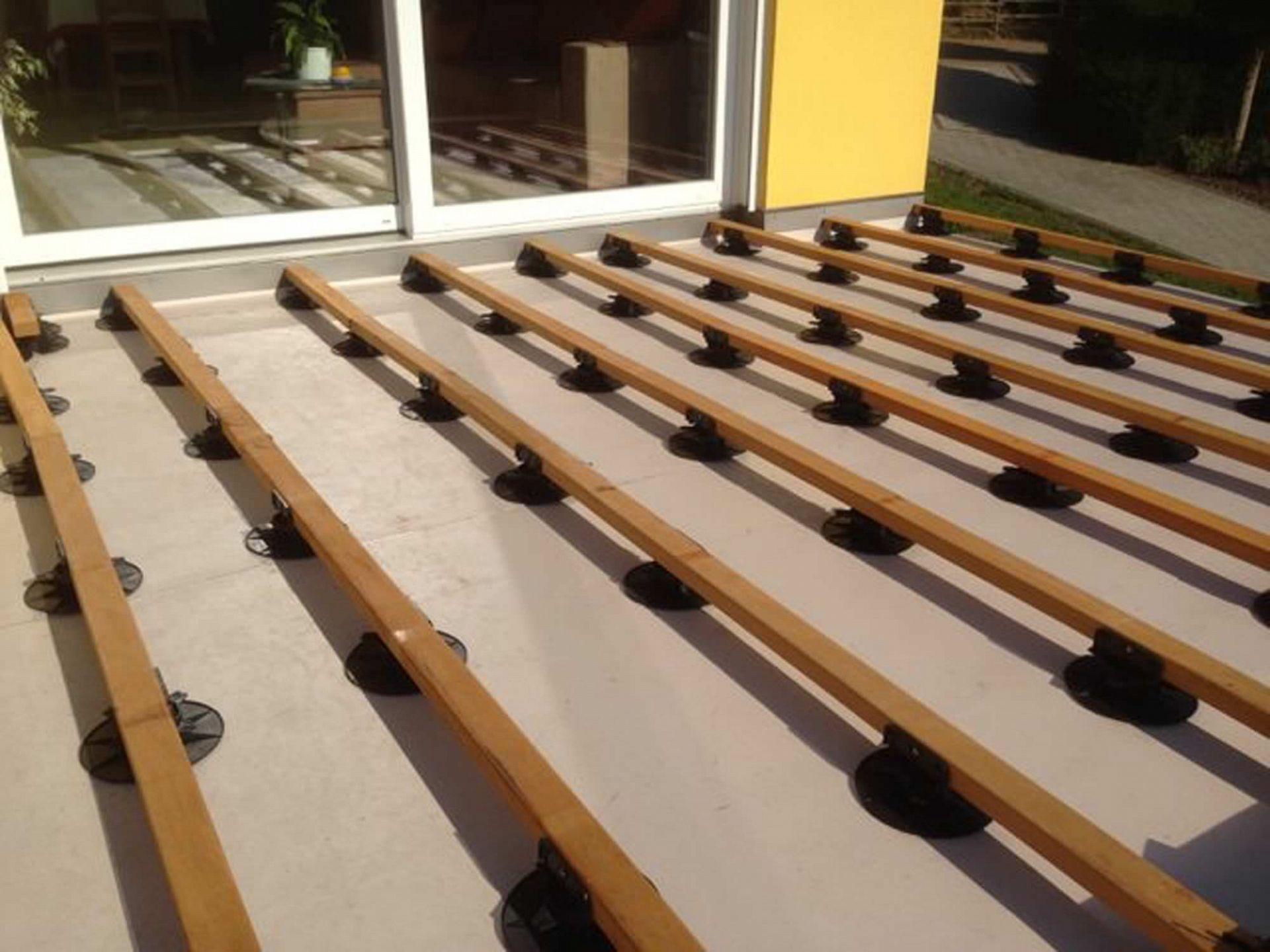 Création d'une terrasse en lames de bambou