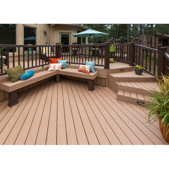 Lames en bois posite pour terrasse et aménagement