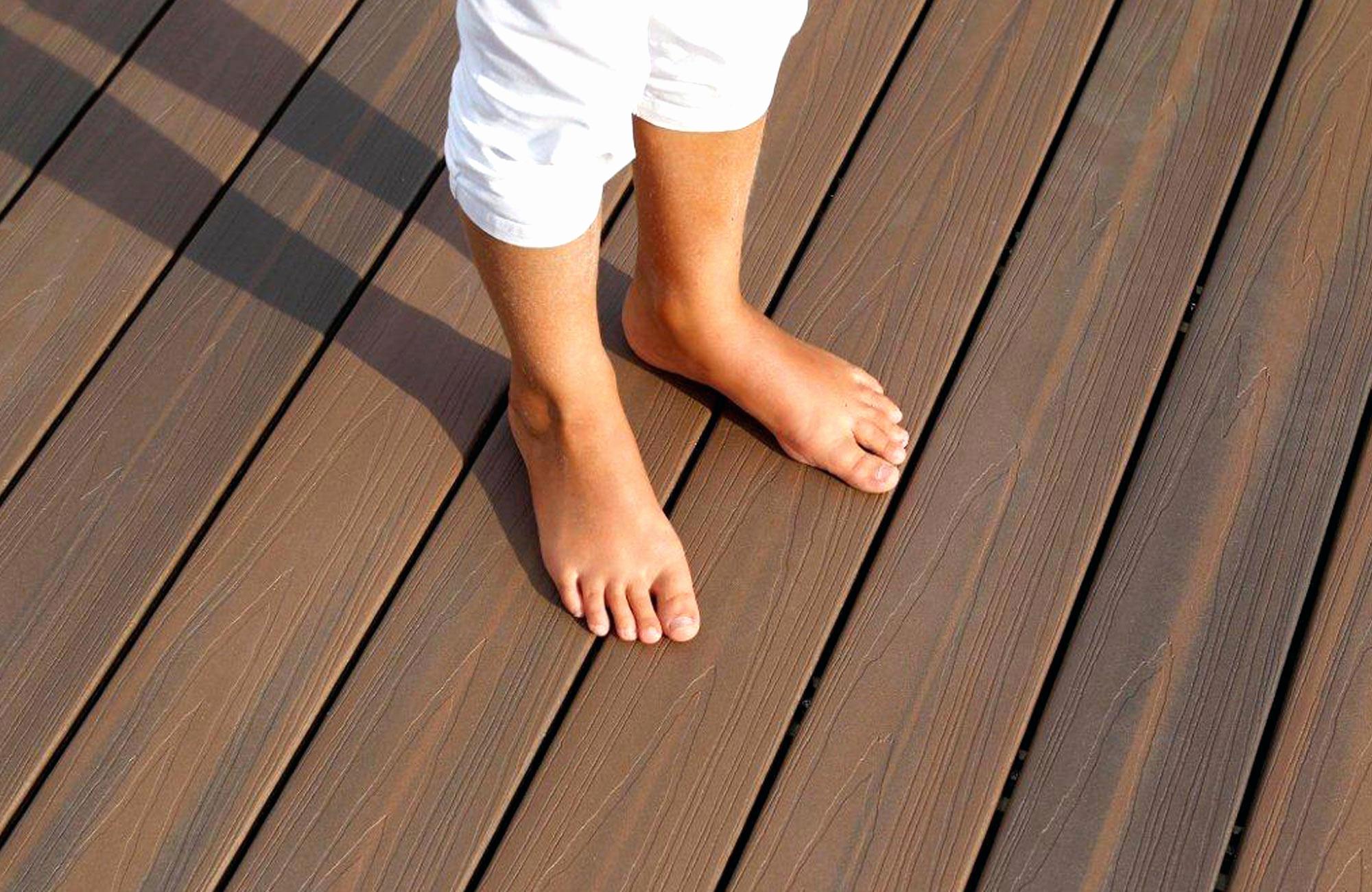 Lame Bois Pour Terrasse Lame Terrasse Meleze Castorama Elegant Parquet Pour Idees Conception Jardin Idees Conception Jardin