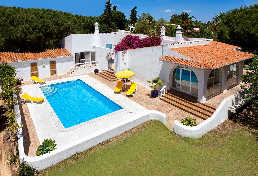 Maison Et Jardin Villa De Luxe Dans Un Grand Jardin Avec Piscine Monde